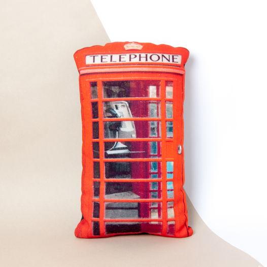 Красная телефонная будка. Декоративная подушка
