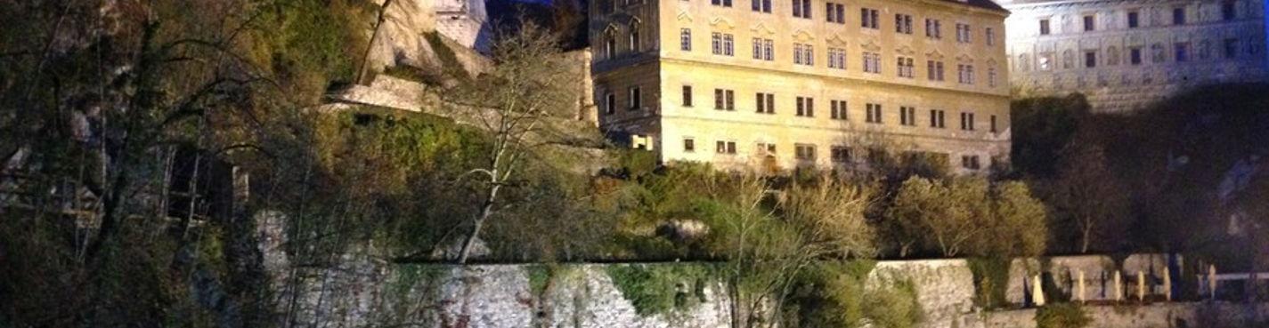 Город Чешский Крумлов и замок Глубока над Влтавой