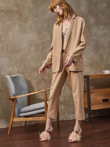 Бежевый костюм в стиле oversize из тонкой итальянской шерсти