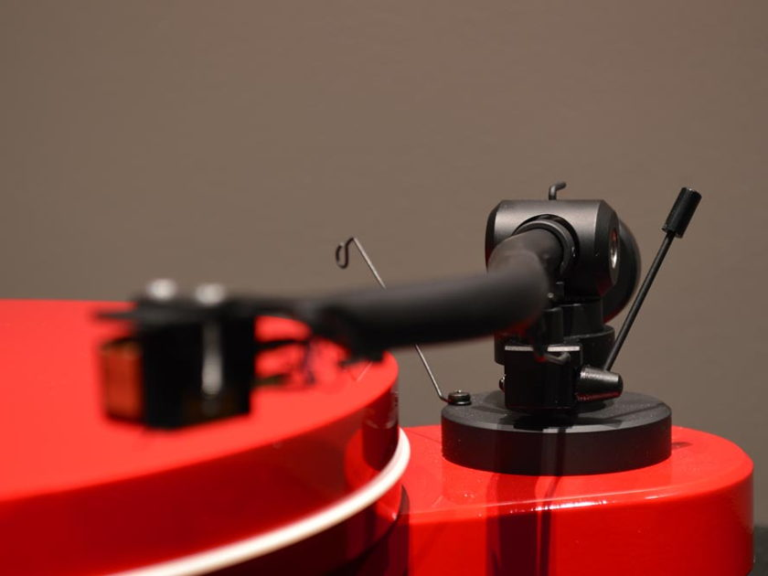 Pro-Ject RPM 1.3 Genie Turntable - Gloss Red