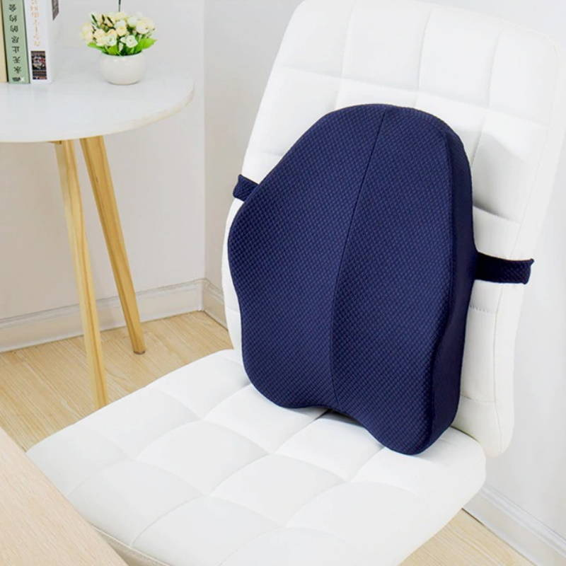 Coussin lombaire sur une chaise