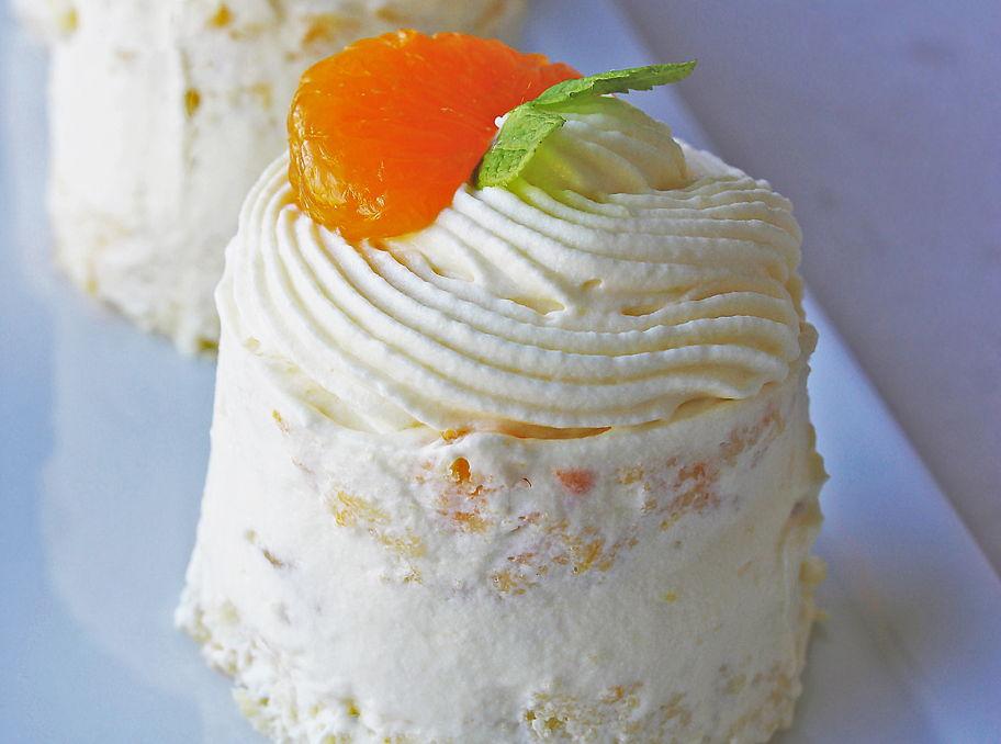 Pineapple Mandarin Mini Cakes