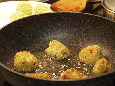 Fry cabbage balls