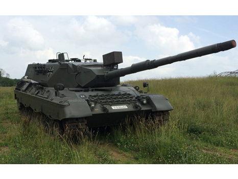 Drive a cold war era West German Leopard Tank