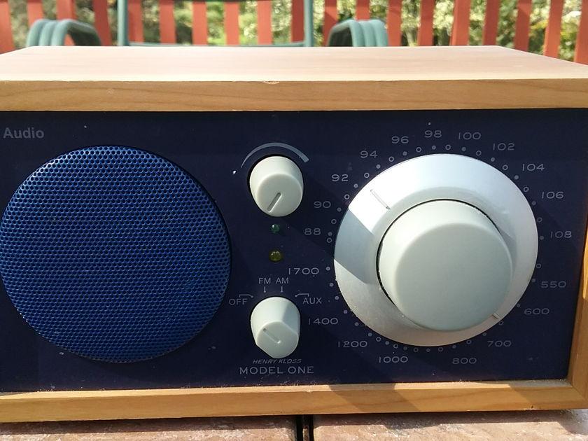 Tivoli Audio Model One  Henry Kloss table top radio