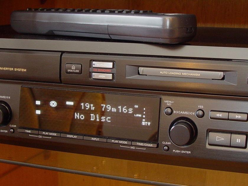 Sony  MXD-D3  MiniDisc Recorder and CD Player