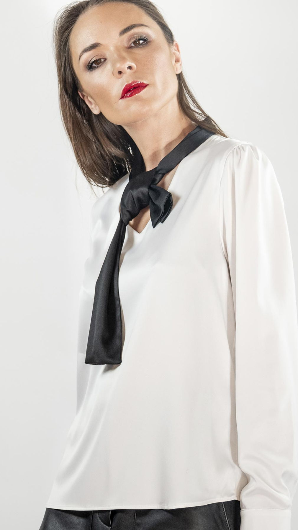 Шелковая блуза Bloodymerry