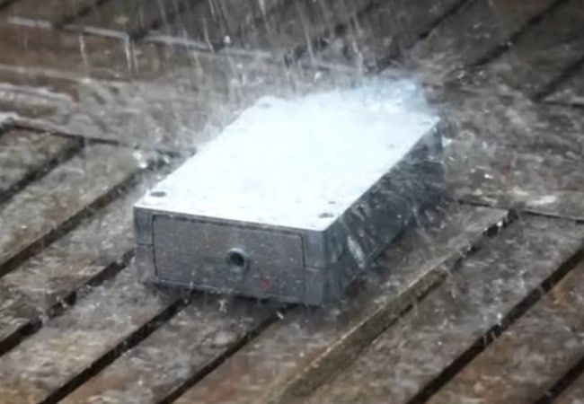 Weatherproof electronics case