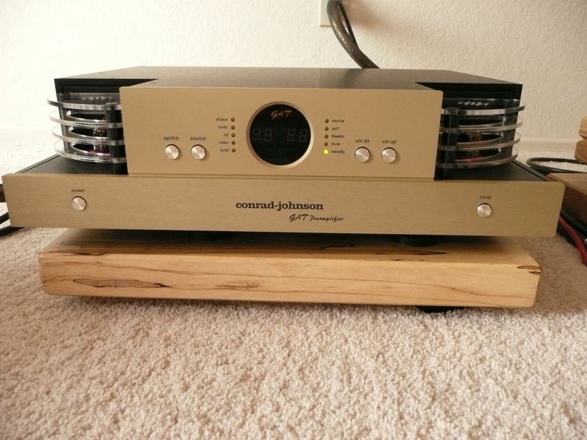 Conrad-Johnson GAT Preamp -- Mint