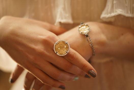 Кольцо из горного хрусталя коллекция Кристалл