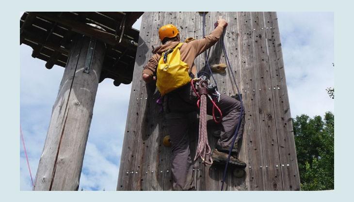 hochseilgarten kletterturm unten