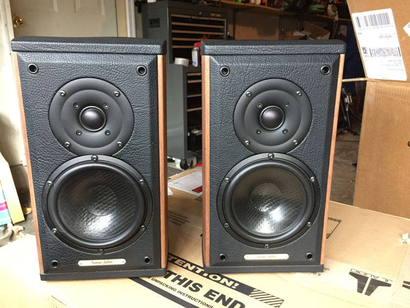 Sonus Faber Luito wood monitors w/stands Mint customer trade-in