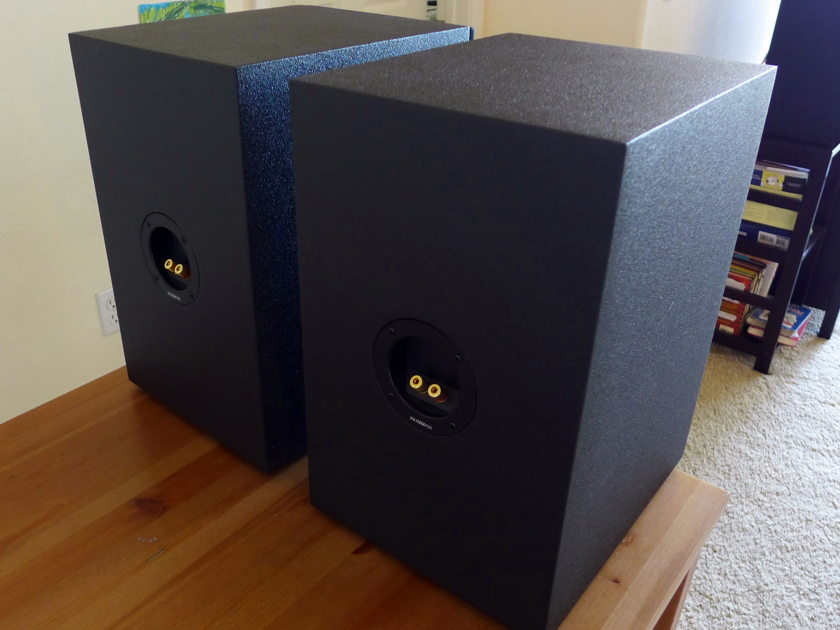 Power Sound Audio MT-110 bookshelf speaker pair