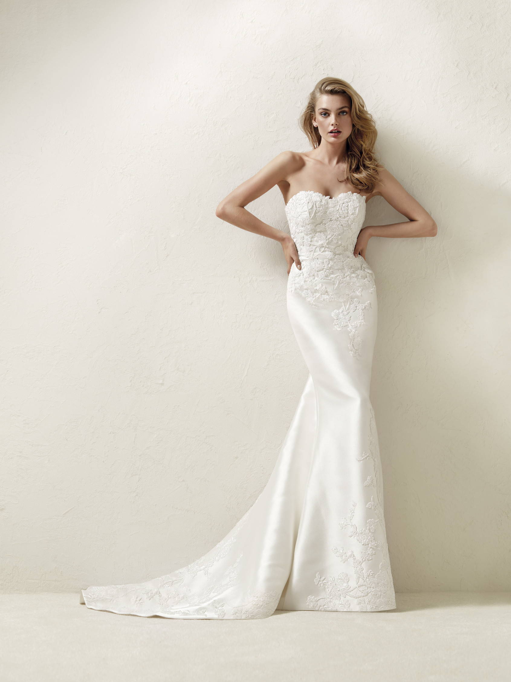 PRONOVIAS DRALINE WEDDING DRESS