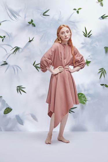 Платье #1 пудрового цвета с пышными рукавами и асимметричной юбкой