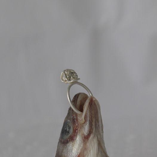кольцо с пиритом