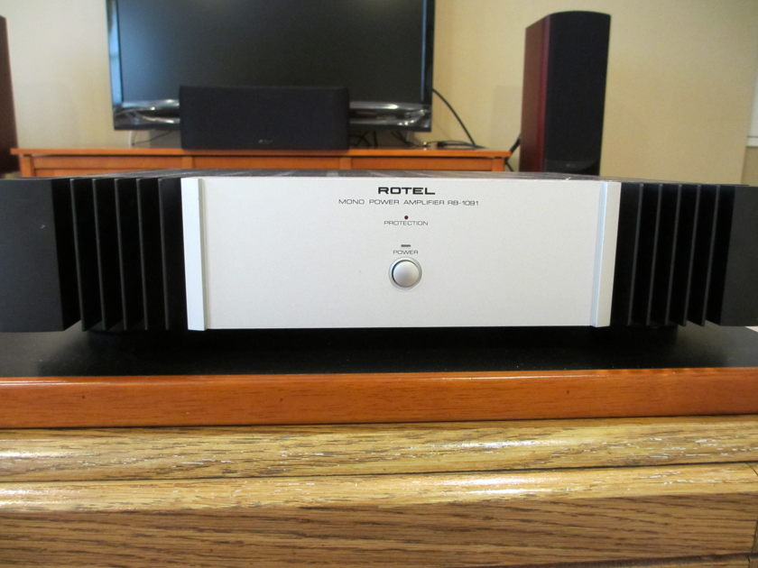 Rotel RB-1091 $649.99