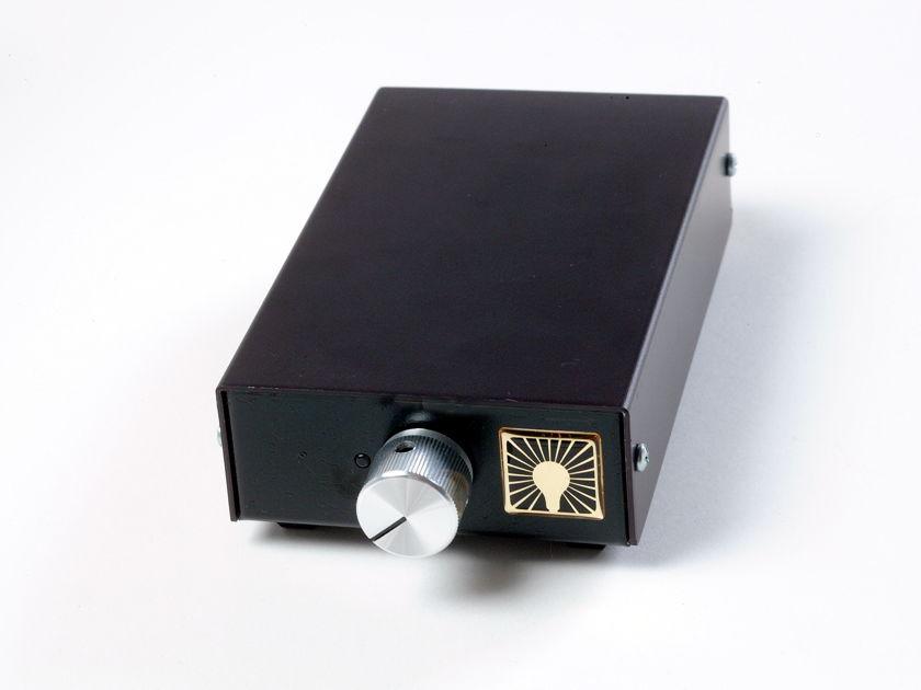 Luminous Audio Axiom or Axiom sig awesome passive pre amp! Axiom I Original Axiom/Single in RCA