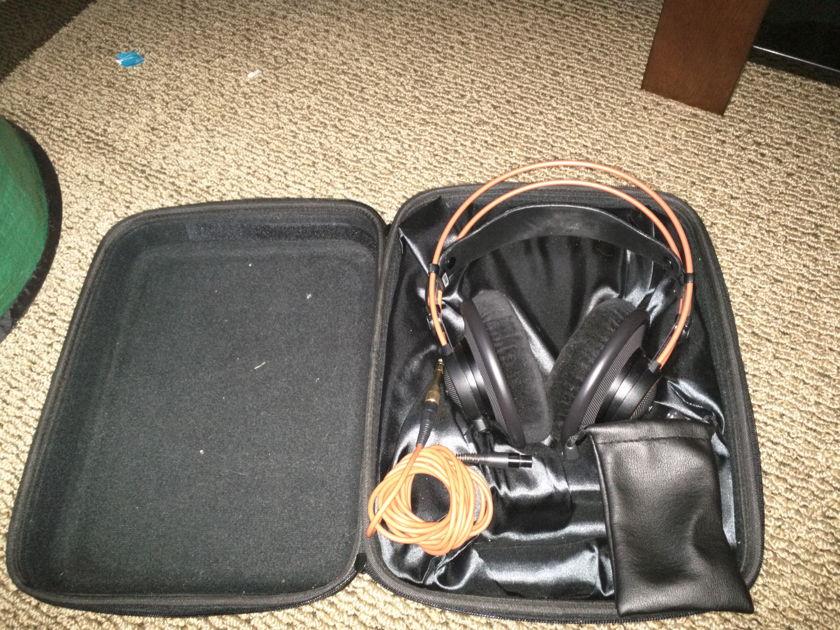 AKG Acoustics AK 712 Studio Pro Headphone