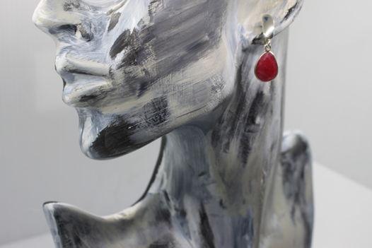 Серебряные серьги с корунда рубином