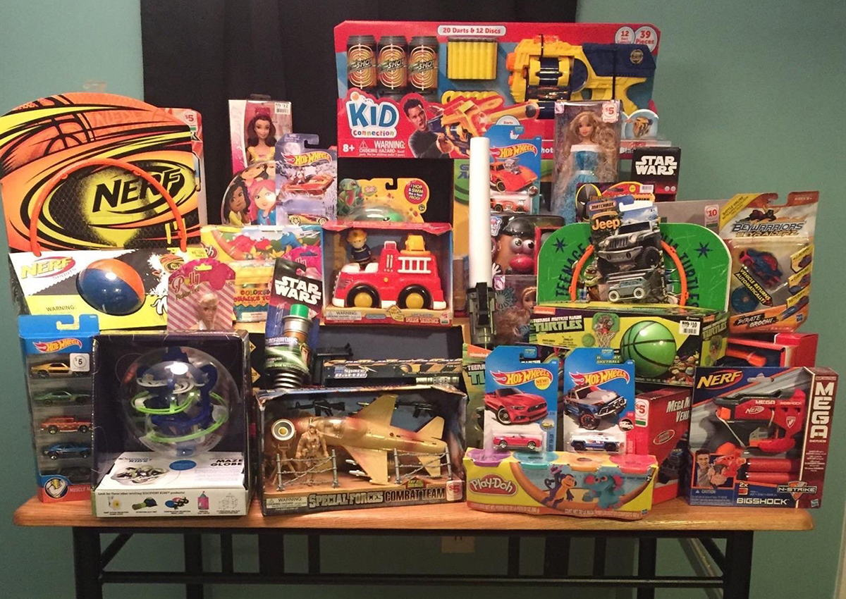 Morehead Delts Donate to Toys for Tots
