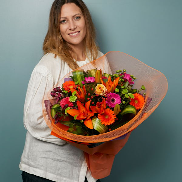 Bright and Bold_flowers_delivery_interflora_nz