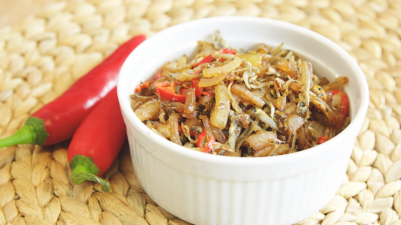 Fried Anchovies with Onions