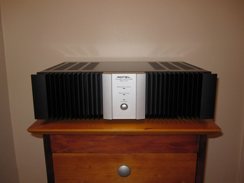 Rotel RB-1070 Amp