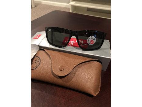 Men's Black Polarized Ray-Ban Sunglasses