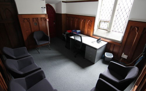 Wood panelled private office or meeting space with free parking - 0