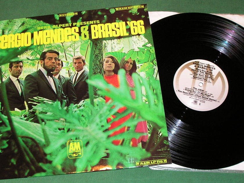 SERGIO MENDES & BRASIL '66 - Self-Titled - * 1974 A&M RECORDS SILVER LABEL *  NM 9/10