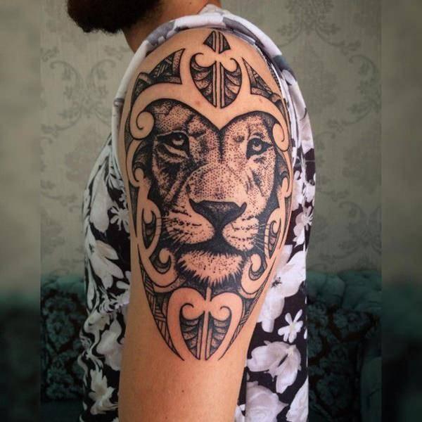 Tatouage Lion Homme Epaule