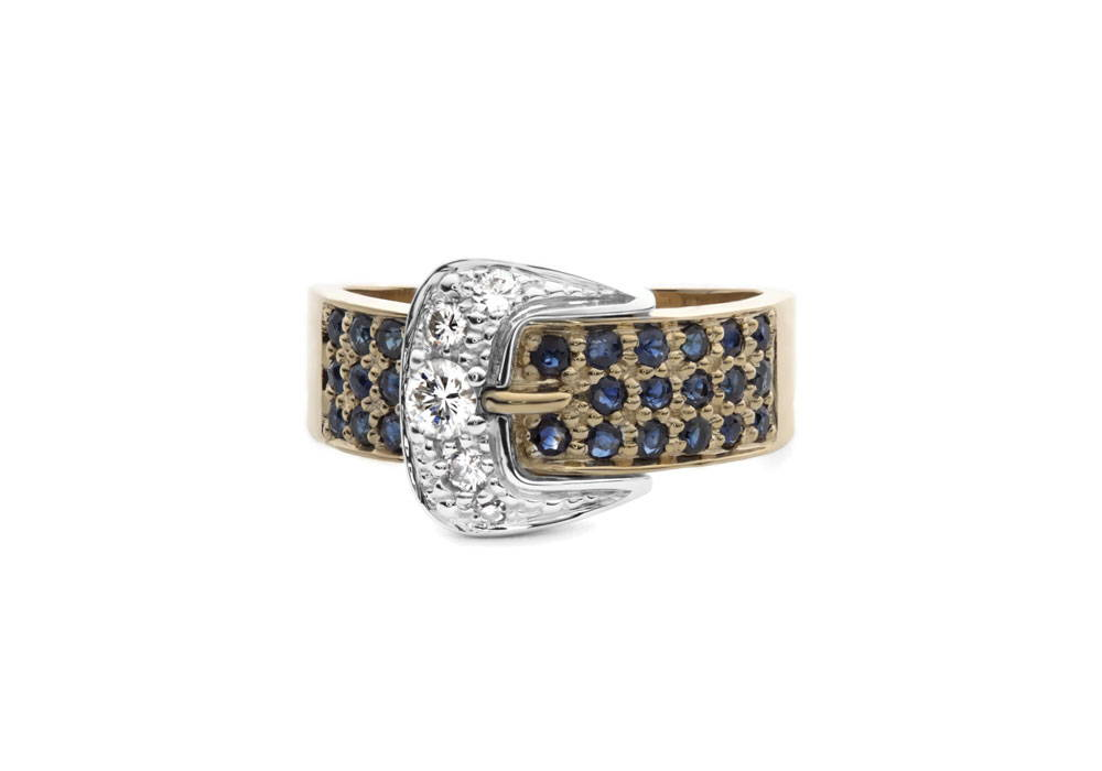 Belt-shaped ring with sapphires on yellow gold and belt buckle in white gold with diamonds
