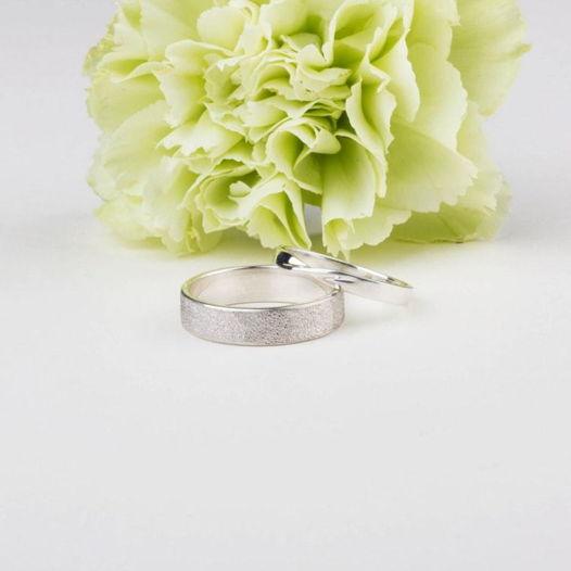 Обручальные кольца из серебра «Мёбиус»
