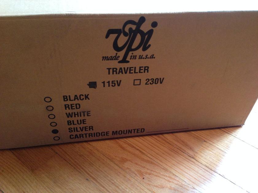 VPI Industries Traveler turntable w/ Benz Micro Silver cartridge