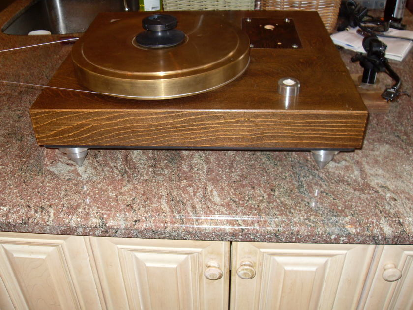 The Legendary Melco Reference . The ultimate string drive super table. Rarer than rare! Optional tonearms available