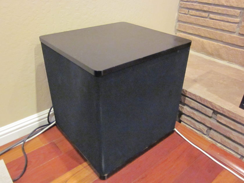 Vandersteen 2W powered subwoofer pair, black