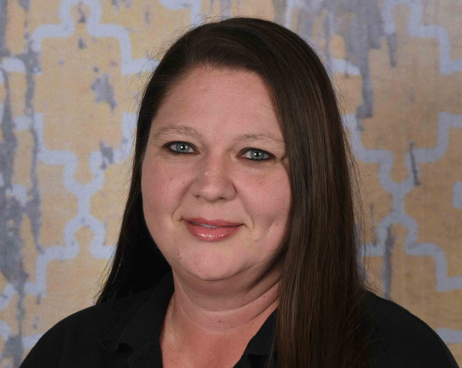 Ms. Jennifer Wheatley , Chef
