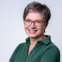 Dr. Babette Lorra