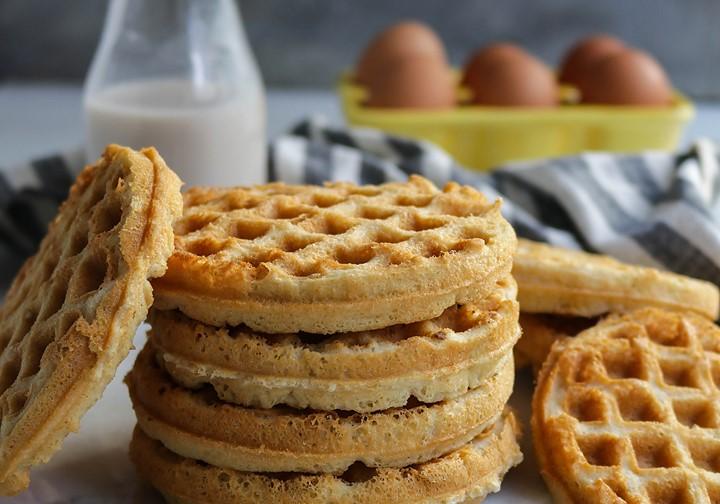 Crispy Vanilla Protein Waffles