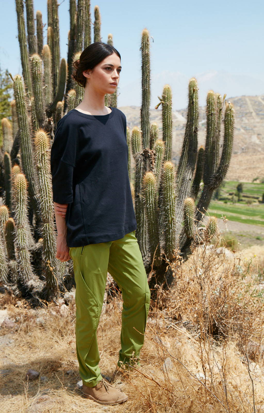 PURITY - METICULOUS CRAFTSMANSHIP, A BEAUTIFUL TRAVEL PANT MOSS GREEN