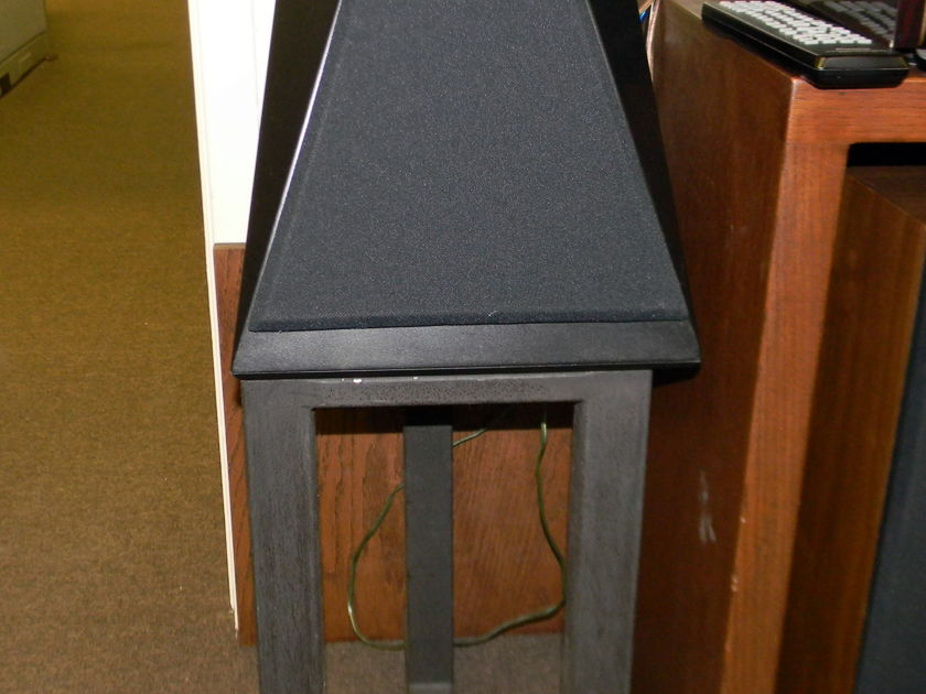 Artemis EOS Monitor Speakers w/ stands AS1.0 Very nice condition... play perfect