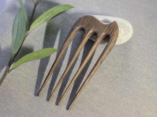 Деревянная шпилька для волос из дуба (держит любое количество волос)