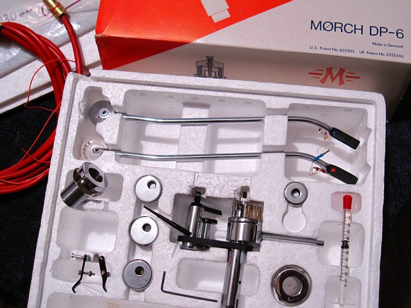 Moerch Morch DP6 DP-6 tonearm with red and blue dot wands and Dynavector 17d2mkII cartridge