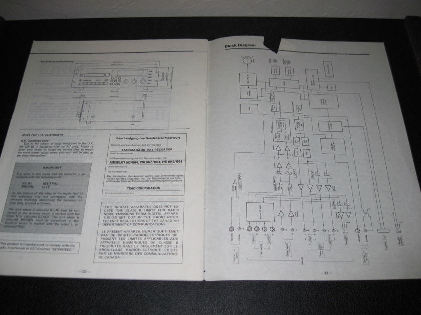 TASCAM DA-30 DIGITAL AUDIO TAPE DECK  - -FACTORY ORIGINAL OWNER'S MANUAL-