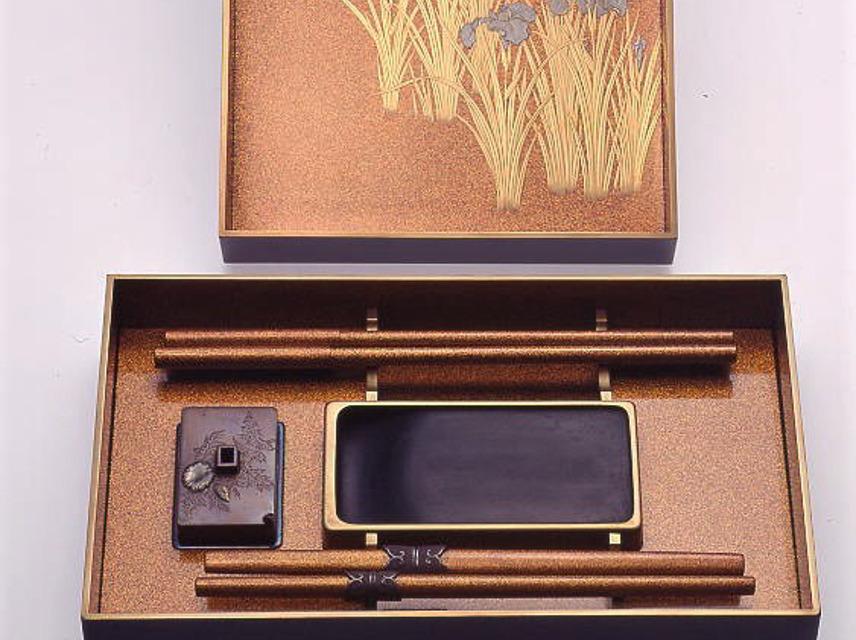 Suzuribako (writing set), Japan. Emuseum: 86.6