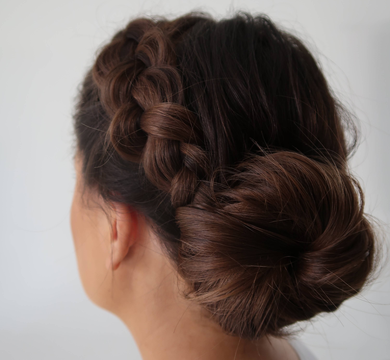 How to get heatless waves and curls Davines bun DIY