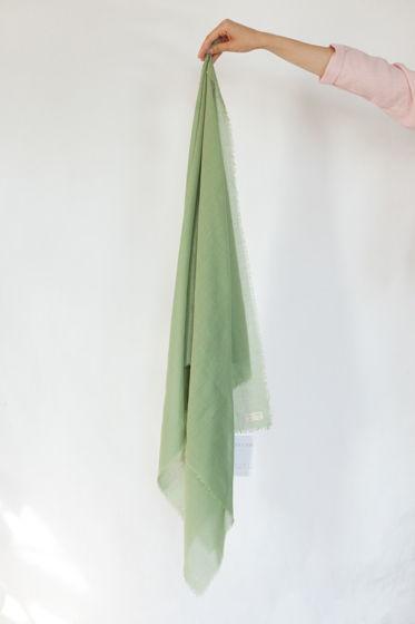 зеленый шарф из шерсти