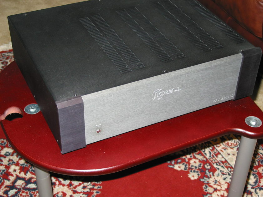 KRELL KAV-250A3 3 CHANNELS AMP - 250W/CHAN in excellent condition!!!