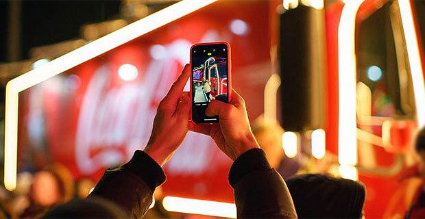 Красавцы Love Radio в социальном проекте «Рождественский Караван» Coca-Cola в России - Новости радио OnAir.ru